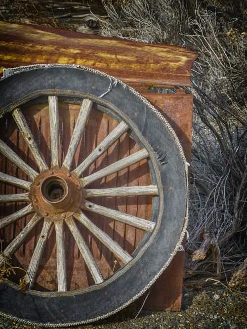 wagon wheel old wooden