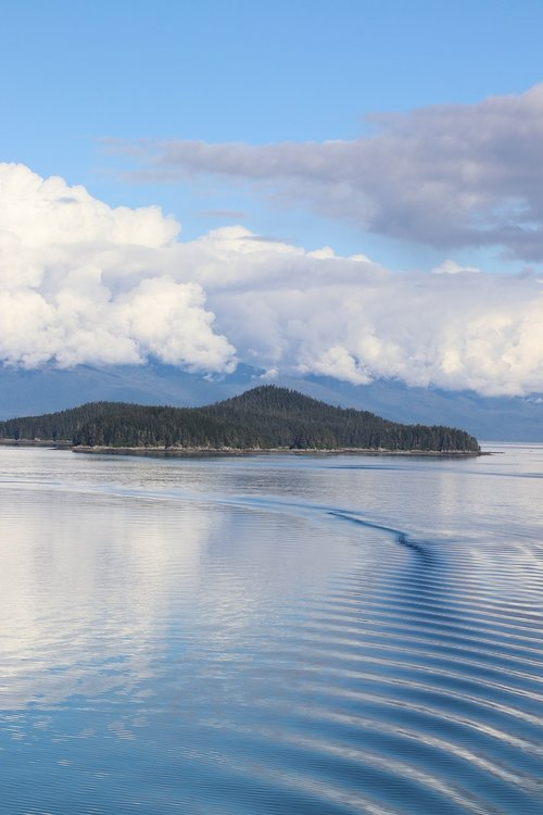 wake  ripples  island