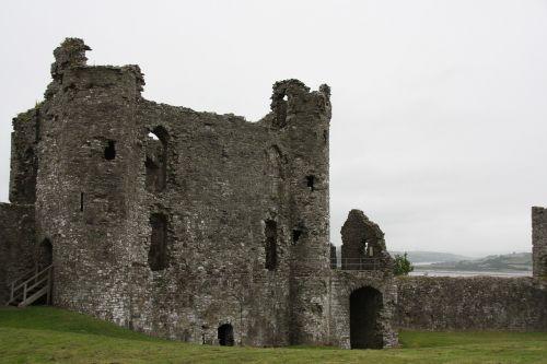 wales castle runine
