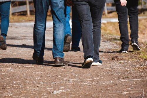 walk  legs  feet
