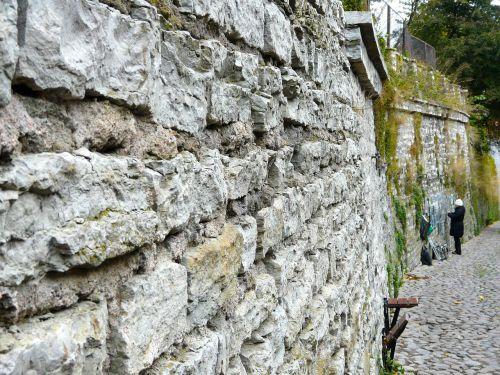 wall stones artist