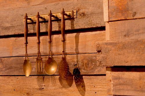 siena,kaušas,mediena