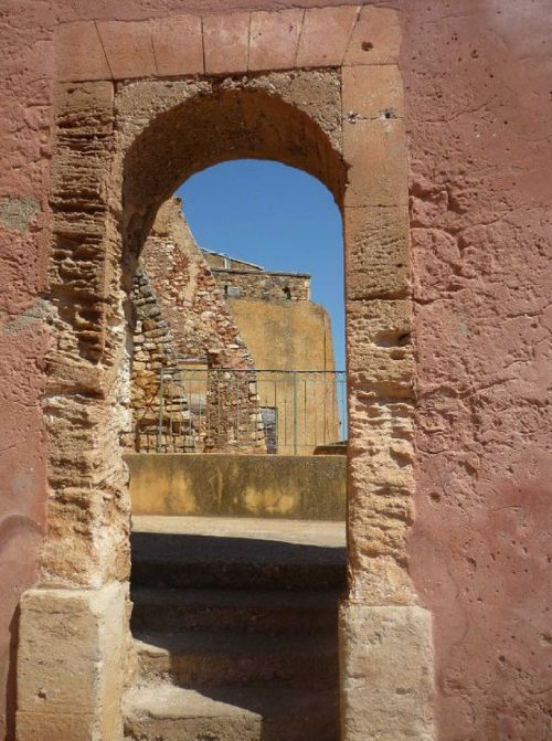wall ochre porch