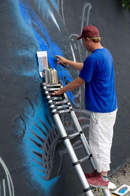 wall artists sprayer