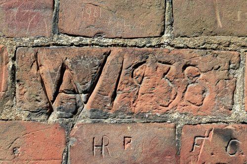 wall red brick