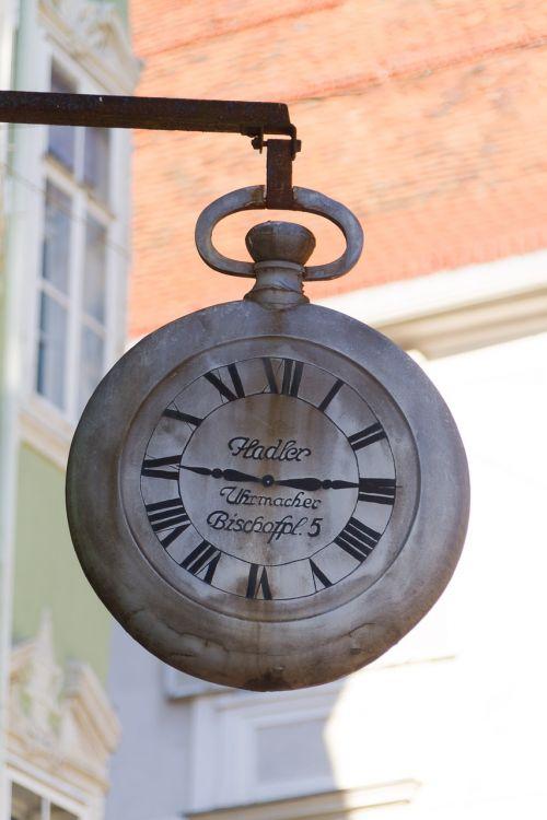 wall clock roman numerals old