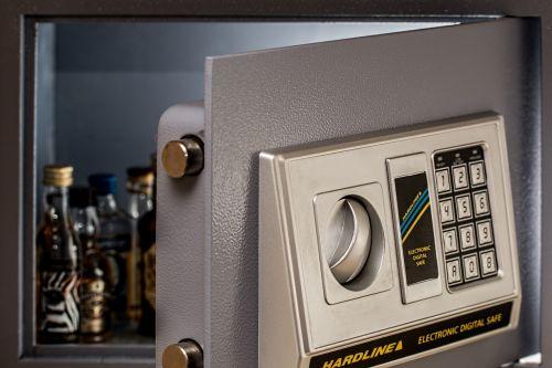 wall safe digital safe secure