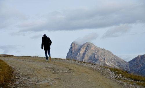 wanderer dolomites mountains