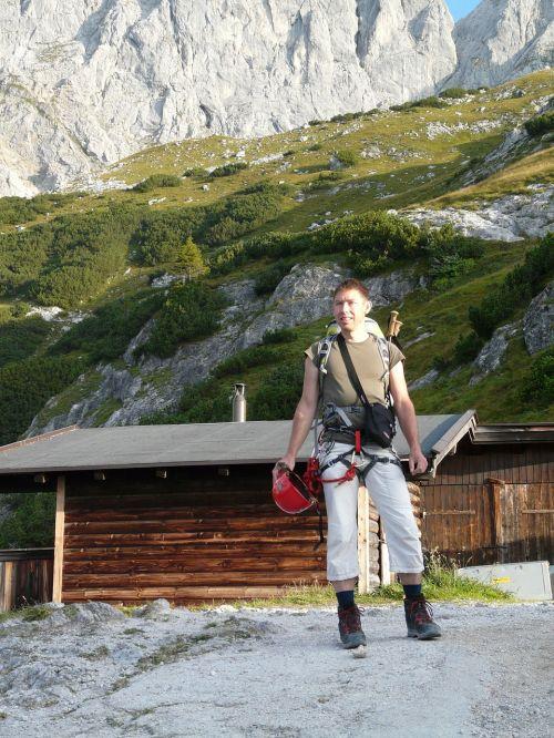 wanderer climber climbing rope race walker