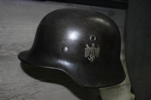 war helmet the swastika