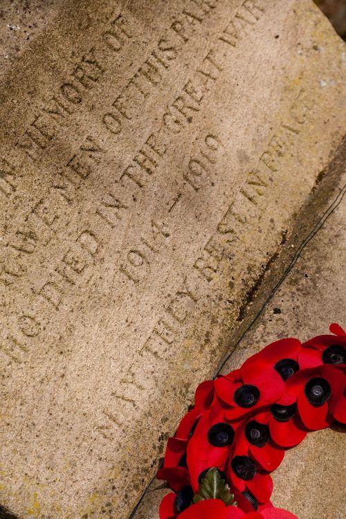 war memorial wreath poppy