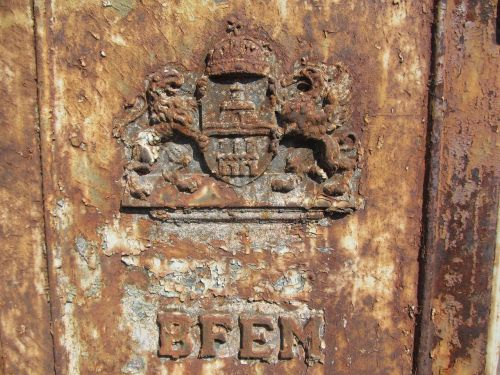 wardrobe rust electricity