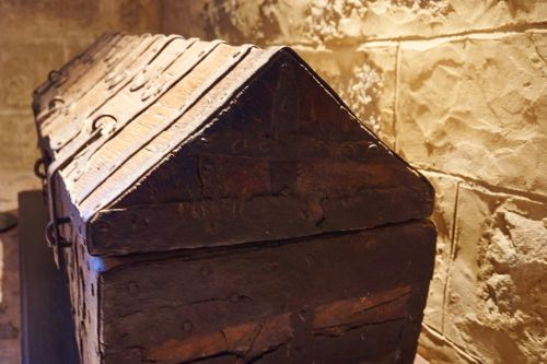 wartburg castle box wooden box