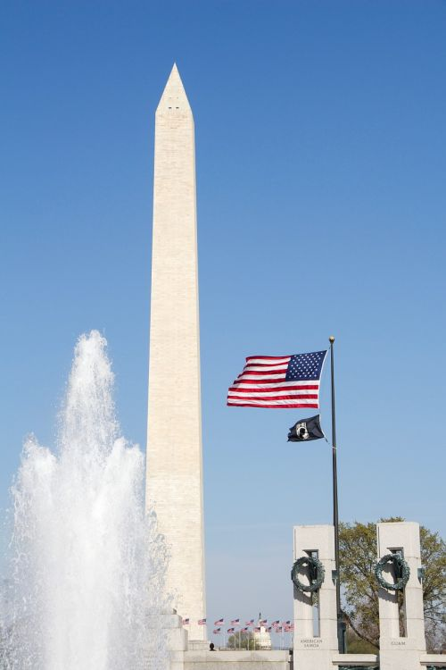 washington monument usa flag