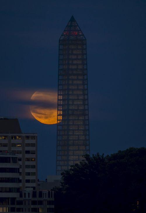 Washington Monument Moon