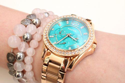 watch timepiece fossil