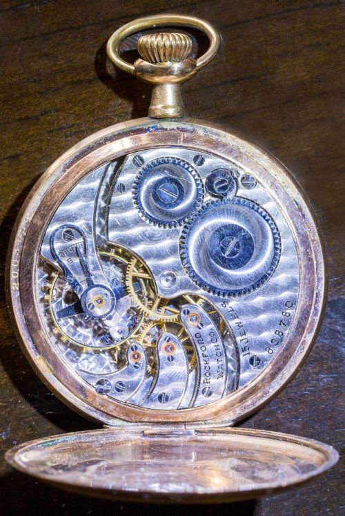 watch pocket watch time