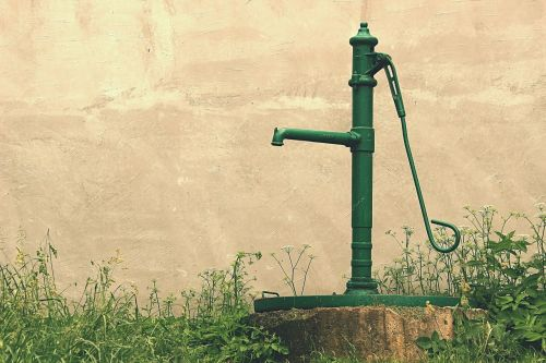 water,pump,old man,hand,well,garden,countryside,metal,cold,retro,vintage,winter,outdoors,morning,rust,the terrain,pipe,pumps,green,faucet,white,antique,drink,net,design,rusty,manual transmission,steel,iron