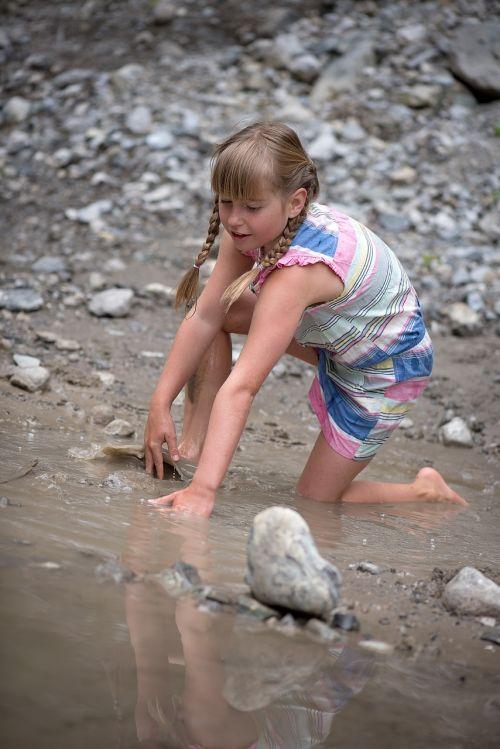 water splashing childhood