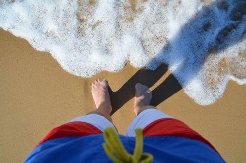 water feet mirroring