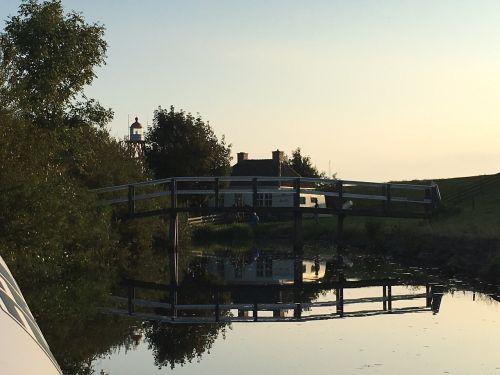 water bridge boat