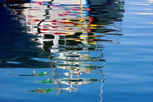 water mirroring malta