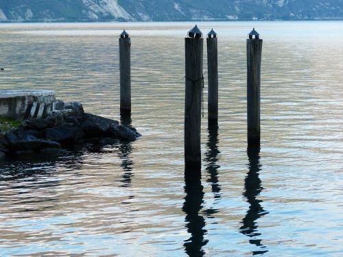 water lake garda