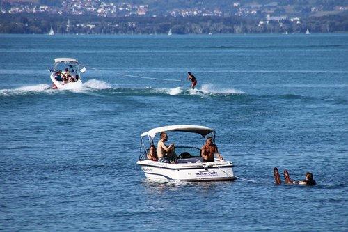 water  skis  lake