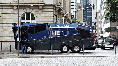 water cannon police frankfurt
