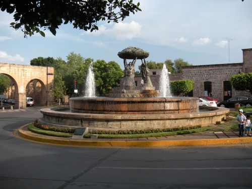 water fountain architecture colonial
