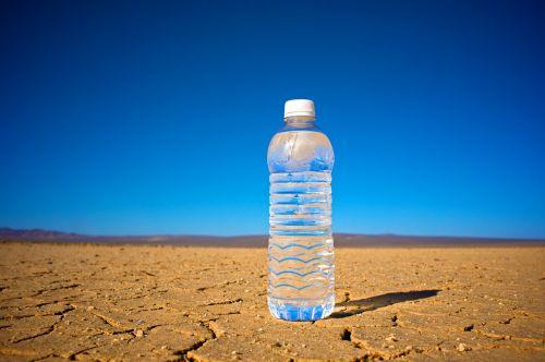 Agua, vanduo į butelius ir nbsp, Kalifornija, švarus & nbsp, vanduo, aiškus & nbsp, skystis, šaltas & nbsp, vanduo, kondensacija, pavojingas, dehidratuoti, sausra, sausas, dulkingas nykstantis, aplinka, butas, švieži & nbsp, vanduo, šiluma, karštis & nbsp, banga, karšta & nbsp, diena, karšta & nbsp, dykuma, hidratas, gyvenimas, gelbėjimas, skystas, dykuma, vanduo dykumoje