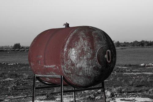 water tank tank rusty