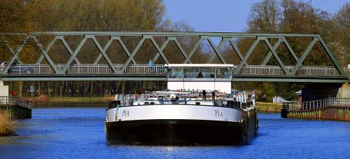 water transport shipping waterway