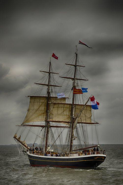 watercraft sailboat ship