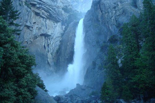 waterfall yosemite park