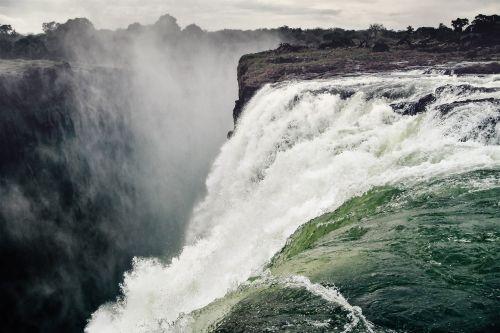 waterfall victoria falls spray