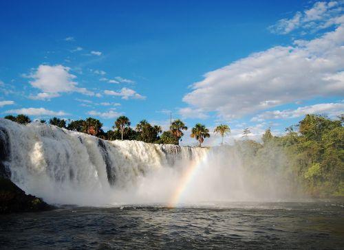 waterfall clouds jump tangará