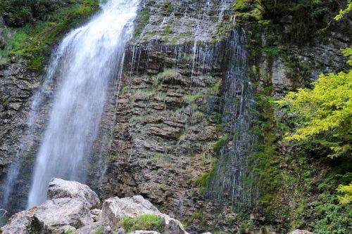 waterfall le cirque france