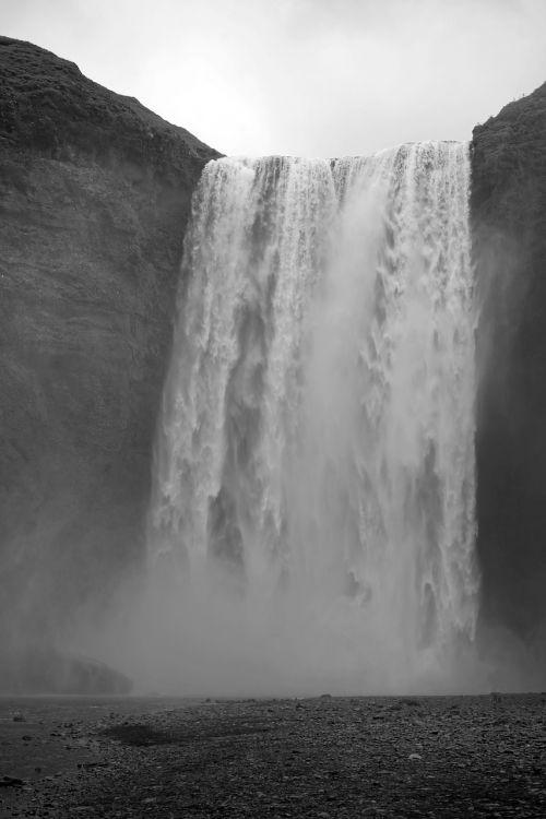 waterfall iceland enormous