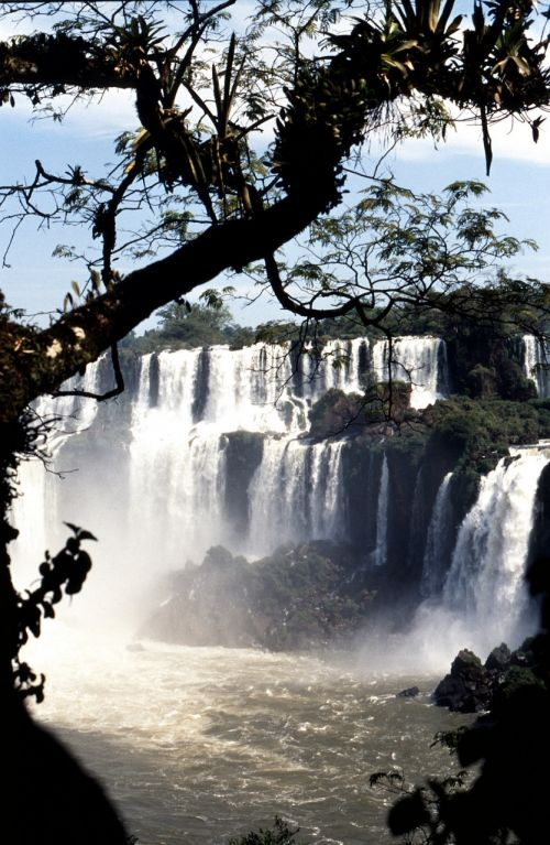 waterfall brazil iguazú waterfalls