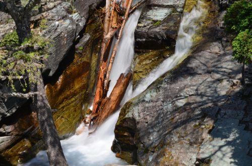 krioklys, dykuma, skuba & nbsp, vanduo, akmenys, krioklys su didesniu užrakto greičiu