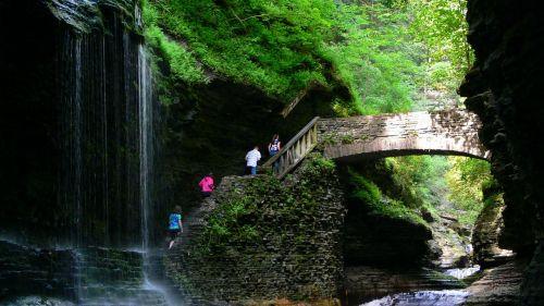 watkins glen waterfalls bridge