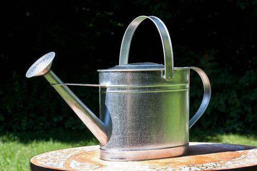 watering can sprinkler vessel
