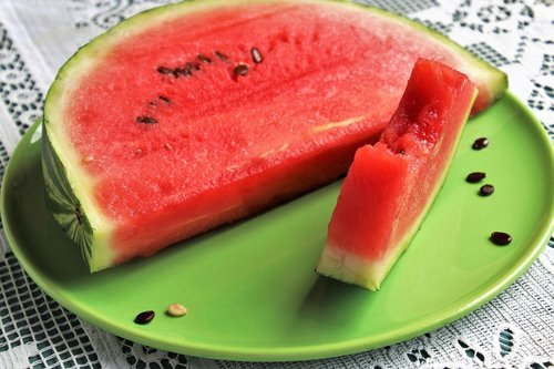 watermelon  juicy  healthy