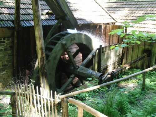 waterwheel grinding mill water mill