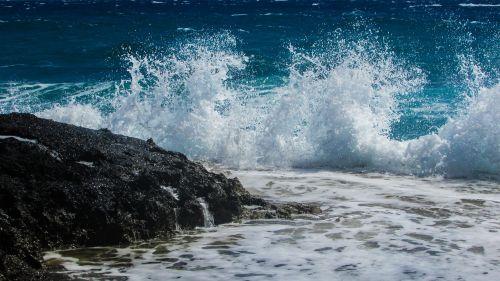 wave smashing foam