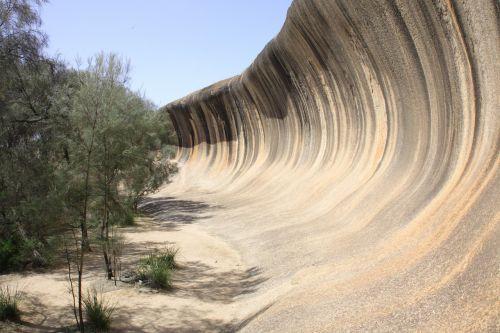 wave rock tourist attraction
