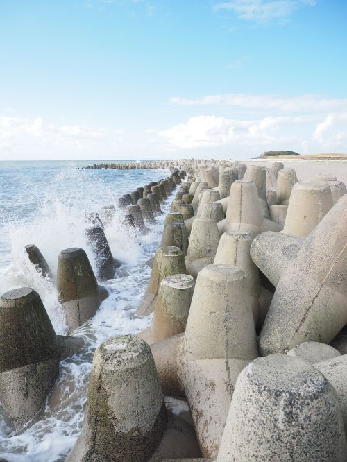 wave breakwater the beach fixing
