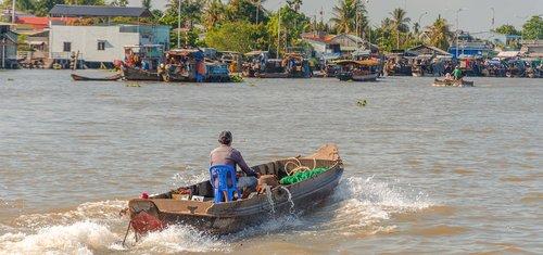 wave  vietnam  floating market