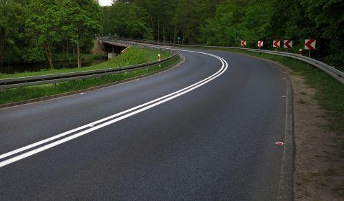way bend polish road